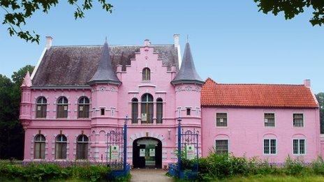 Pink Castle, Holland