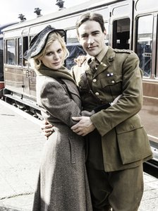 Kate (Emilia Fox) and Roberts (Ben Chaplin) in The Wipers Times