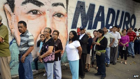 Venezuelans queue to vote, April file picture