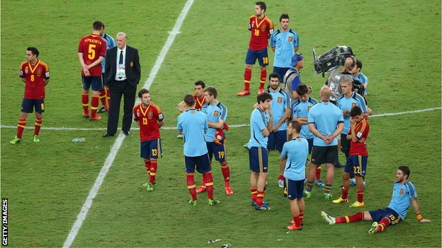 A dejected Spain after losing the Confederations Cup final to Brazil