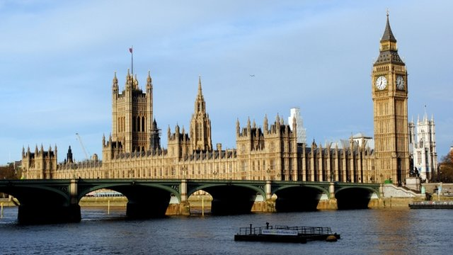 The sun rises at the Houses of Parliament