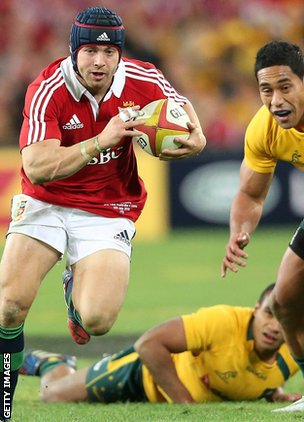 Leigh Halfpenny slices past Will Genia and Joe Tomane to set up George North's try