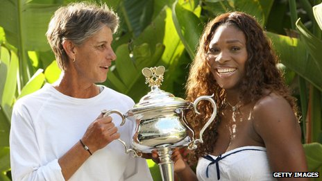 Chris O'Neil - who won the women's title in the Australian Open in 1978 - with American champion Serena Williams