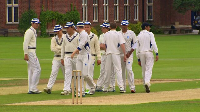 Young cricketers from Bedford School