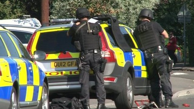 Armed police at Kidlington