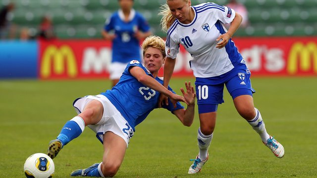 Italy's Cecilia Salvai (left) and Finland's Emmi Alanen