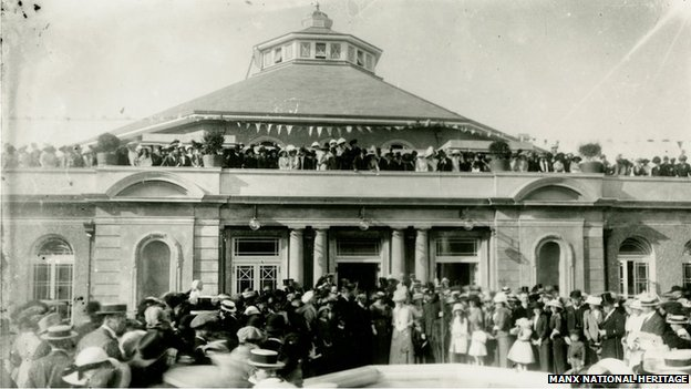 The opening of the Villa Marina