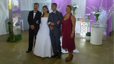 Francisco Oliveira and Taina Ferreira celebrate their wedding