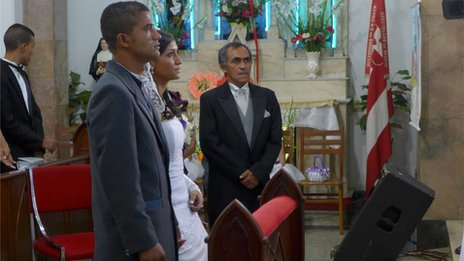 Francisco Oliveira and Tainá Ferreira at their wedding ceremony