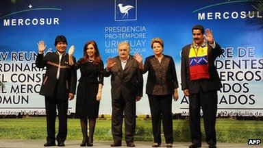 (L-R) Presidents Evo Morales of Bolivia, Cristina Fernandez de Kirchner of Argentina, Jose Mujica of Uruguay, Dilma Rousseff of Brazil and Nicolas Maduro of Venezuela pose for the official picture of the Mercosur Summit