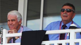 John Inverarity (left), Australian chairman of selectors and Rod Marsh, Australian selector
