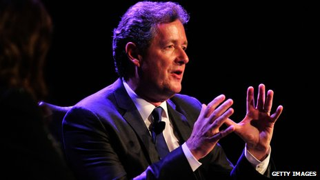 Piers Morgan speaking to an audience