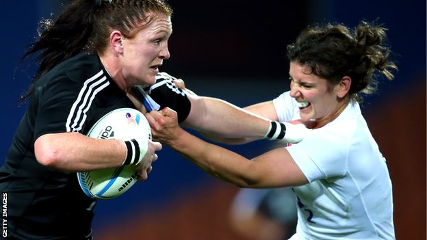 England's Sarah Hunter tackles New Zealand's Casey Robertson