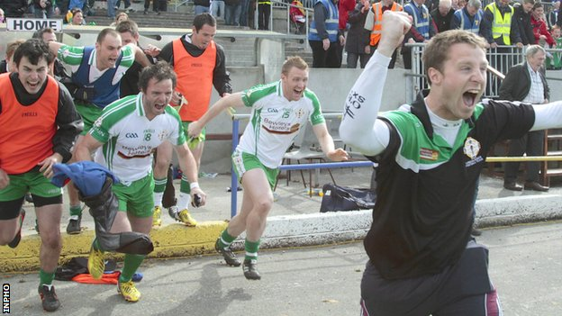 London substitutes celebrate after the victory over Leitrim
