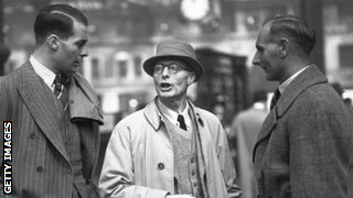 Ken Farnes, his father and Hedley Verity