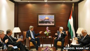 John Kerry and Mahmoud Abbas meeting in Ramallah (19 July 2013)