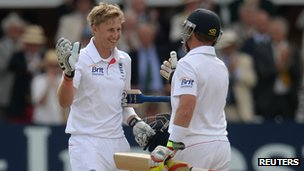 Joe Root and Ian Bell