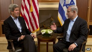 John Kerry and Benjamin Netanyahu in Jerusalem on 27 June 2013
