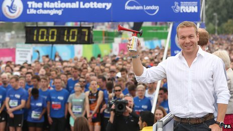 Sir Chris Hoy officially starts The National Lottery Anniversary Run
