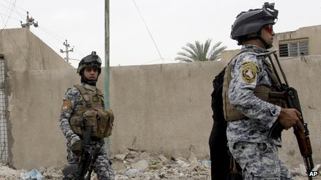 Iraq jailbreaks: Hundreds escape in Taji and Abu Ghraib