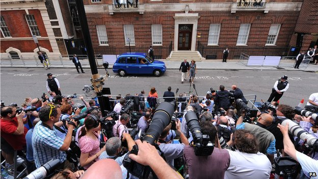 Press waiting for royal baby