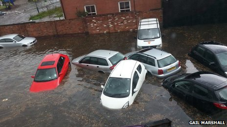 Cars in flood water near Mansfield Road