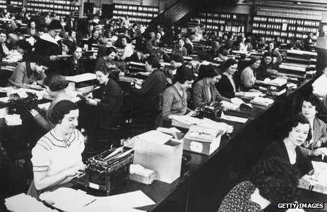 "A ""typing pool"", a room full of female typists"