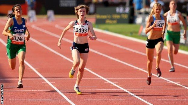 Sophie Hahn wins gold