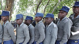 Zimbabwean police queue to vote