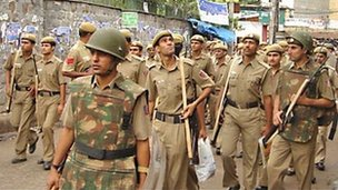 Police at Batla House on the day of the encounter on 19 Sept 2008