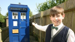 Rhys Lifton plus Tardis