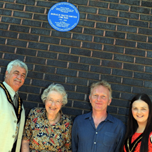 Family and friends travelled from as far as Adelaide, Australia to see the Deputy Mayor of Rhondda Cynon Taf unveil the plaque