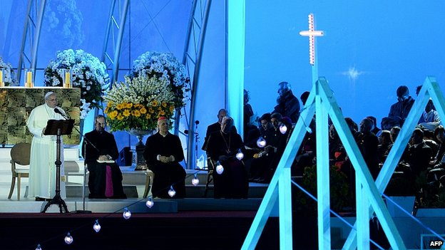 Pope speaks at prayer vigil. 27 July 2013