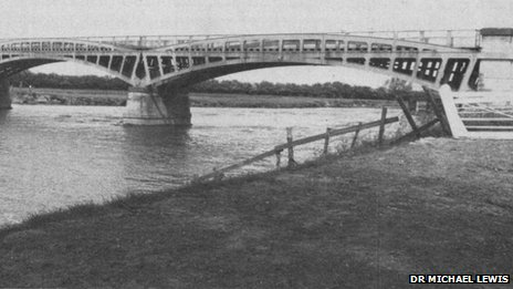 The old wroght iron bridge