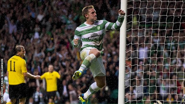 Kris Commons celebrates his second-half goal for Celtic