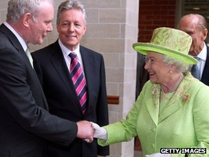 Queen shakes hands with Martin McGuinness