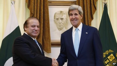 US Secretary of State John Kerr (right) meets Pakistani Prime Minister Nawaz Sharif in Islamabad on 01 August 2013