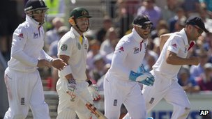 England celebrate David Warner's dismissal
