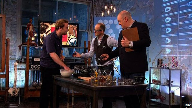 Mark Miodownik and Dara O Briain talk about non-Newtonian fluids
