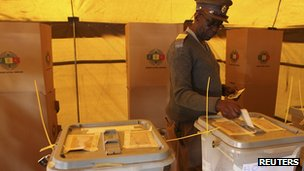 Voting in Harare. 31 July 2013