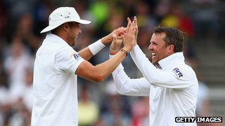 Stuart Broad and Graeme Swann