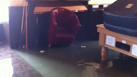 Tywarnhale Inn flooding, August 2013