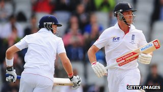Joe Root and Jonathan Trott