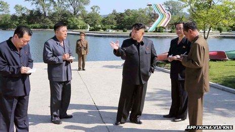 Kim Jong-un inspects Songdowon