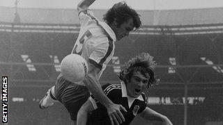 Dave Watson and Kenny Dalglish