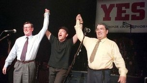 Bono with Ulster Unionist leader David Trimble and SDLP leader John Hume in 1998