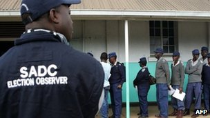 A Sadc observing watch police vote