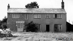 Leatherslade Farm, near Brill in Buckinghamshire, on the day of its discovery by police, 13th August 1963