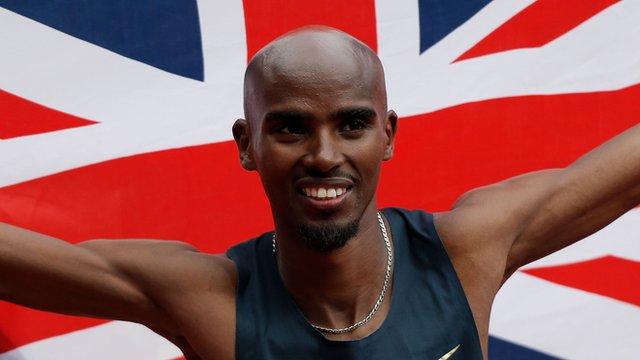 Mo Farah wins Men's 300m in July 2013