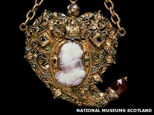 Cameo pendant from National Museum of Scotland